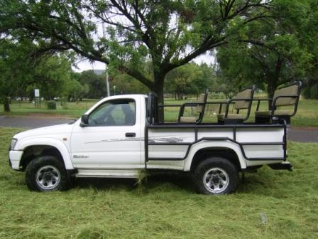TOYOTA_HILUX_FRAME_WITH_3_BENCHES15678.JPG